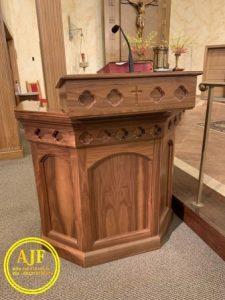 Model Mimbar Gereja Katolik