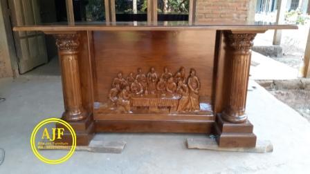 Altar Gereja Katolik ukiran perjamuan suci