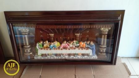 karya seni ukir perjamuan kudus