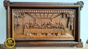 Hiasan dinding ukiran perjamuan kudus
