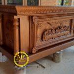 Altar gereja ukiran perjamuan kudus