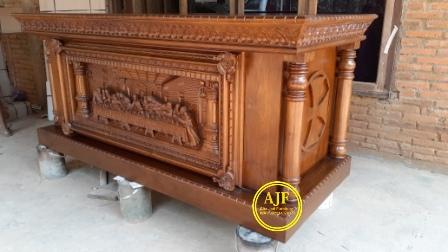 Altar gereja ukiran perjamuan kudus_
