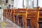 Bangku Jemaat Gereja Katolik