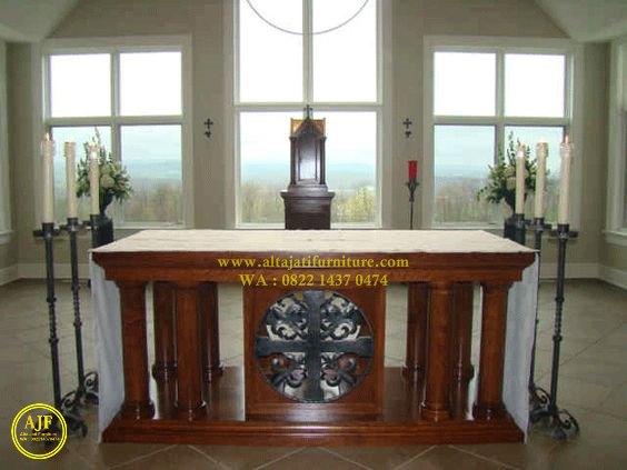 meja altar untuk kapel