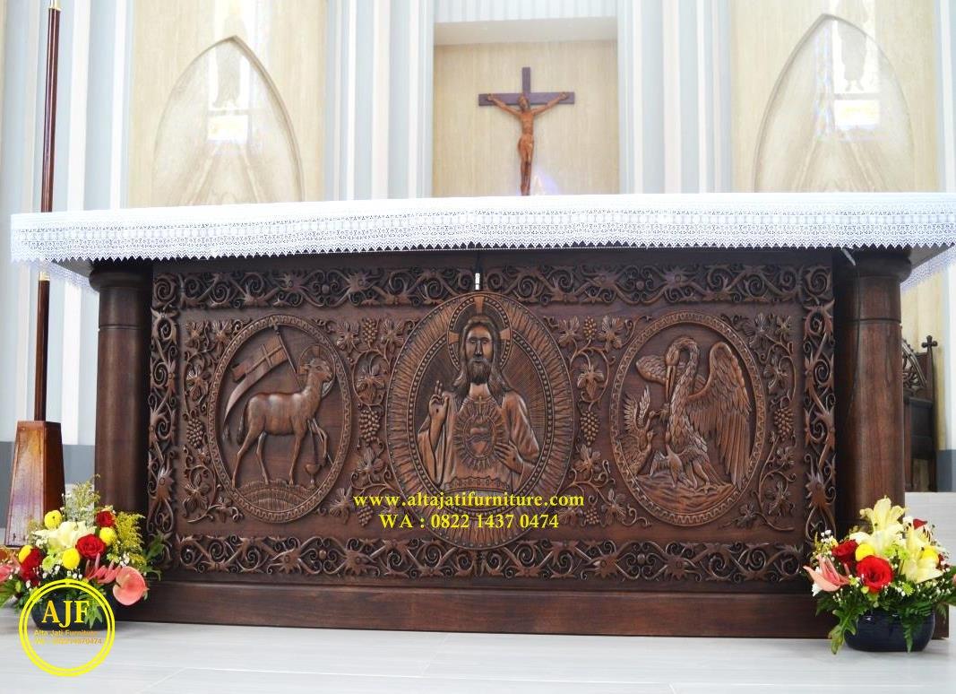 meja altar jati gereja