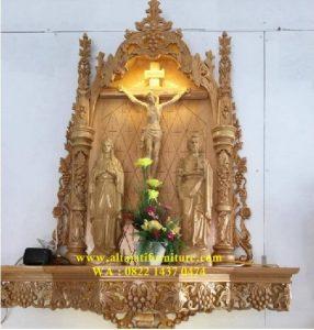 Ukiran Relief Patung Yesus Dan Bunda Maria
