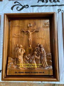 Ukiran Jalan Salib Kayu Jati