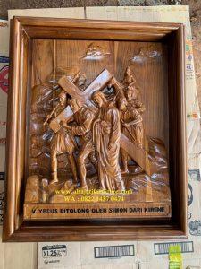 ukiran jalan salib kayu