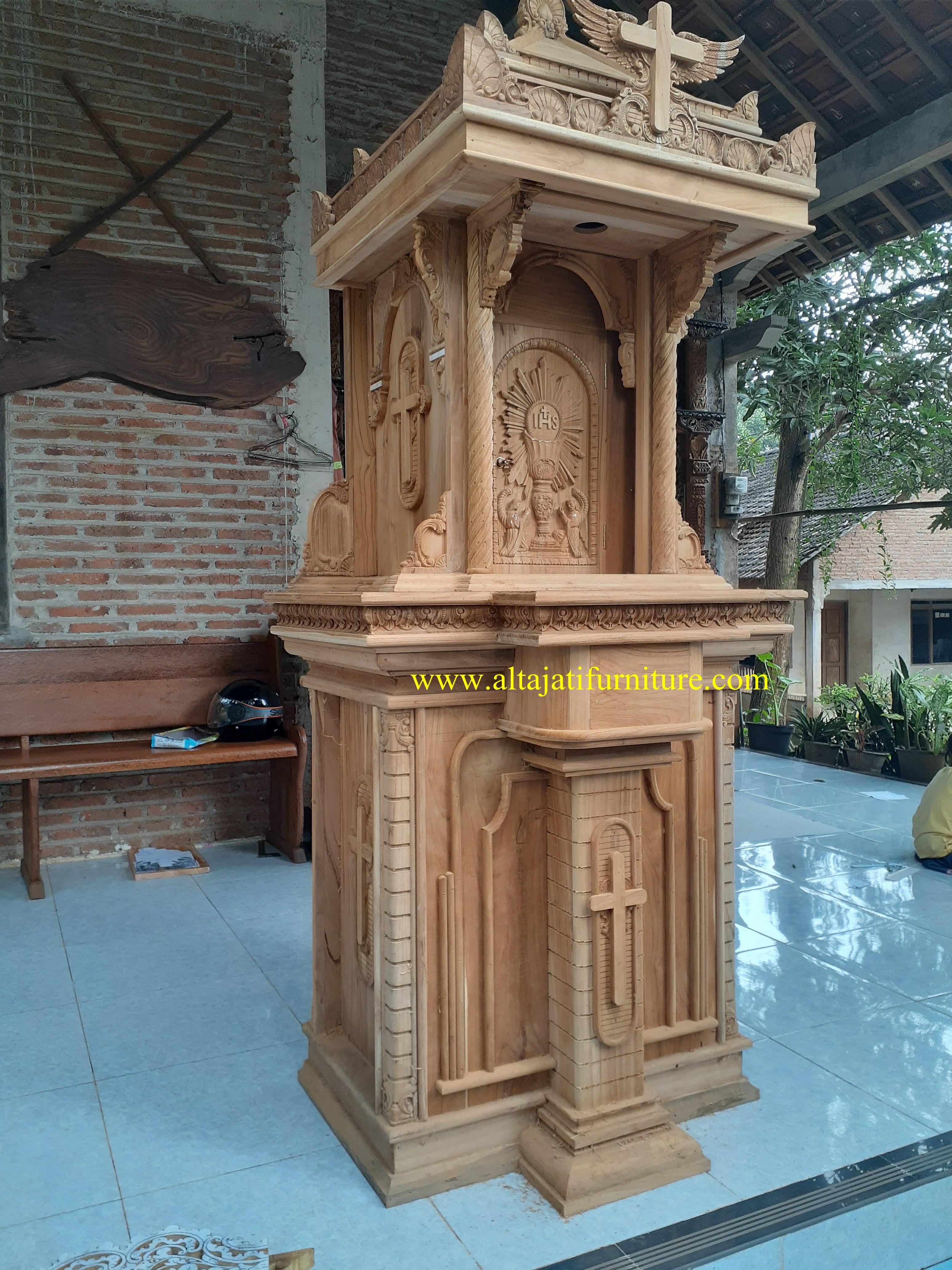 tabernakel kayu jati